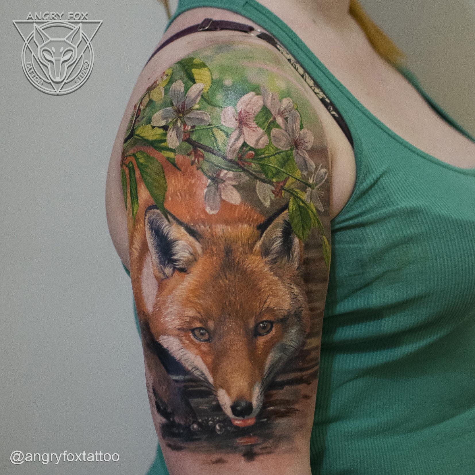татуировка, тату, девушка, цветок, веточка, лиса, водопой, плечо, рука, реализм