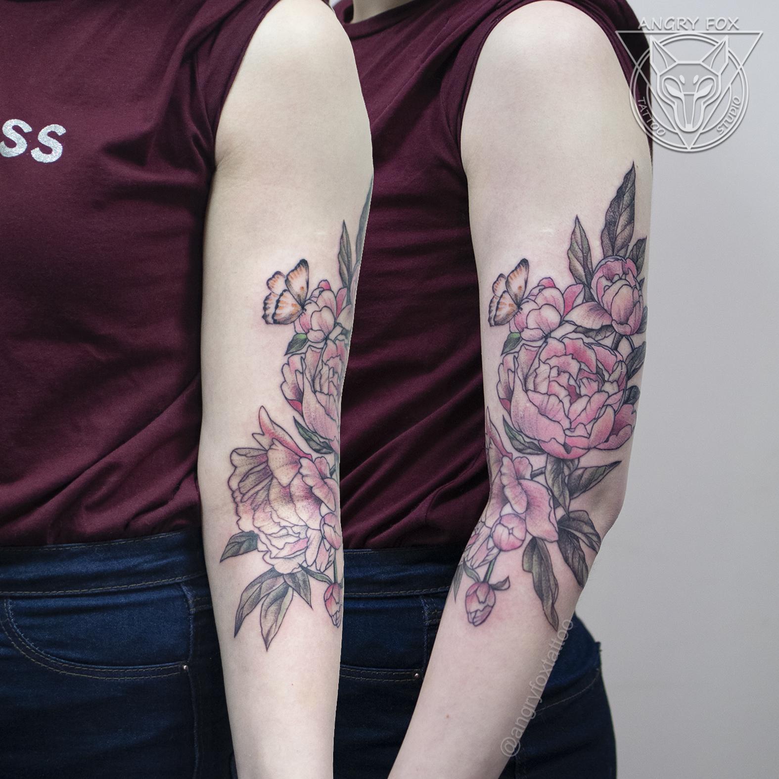 Татуировка, тату, девушка, плечо, предплечье, локоть, рука, пионы, графика, бабочка, листья