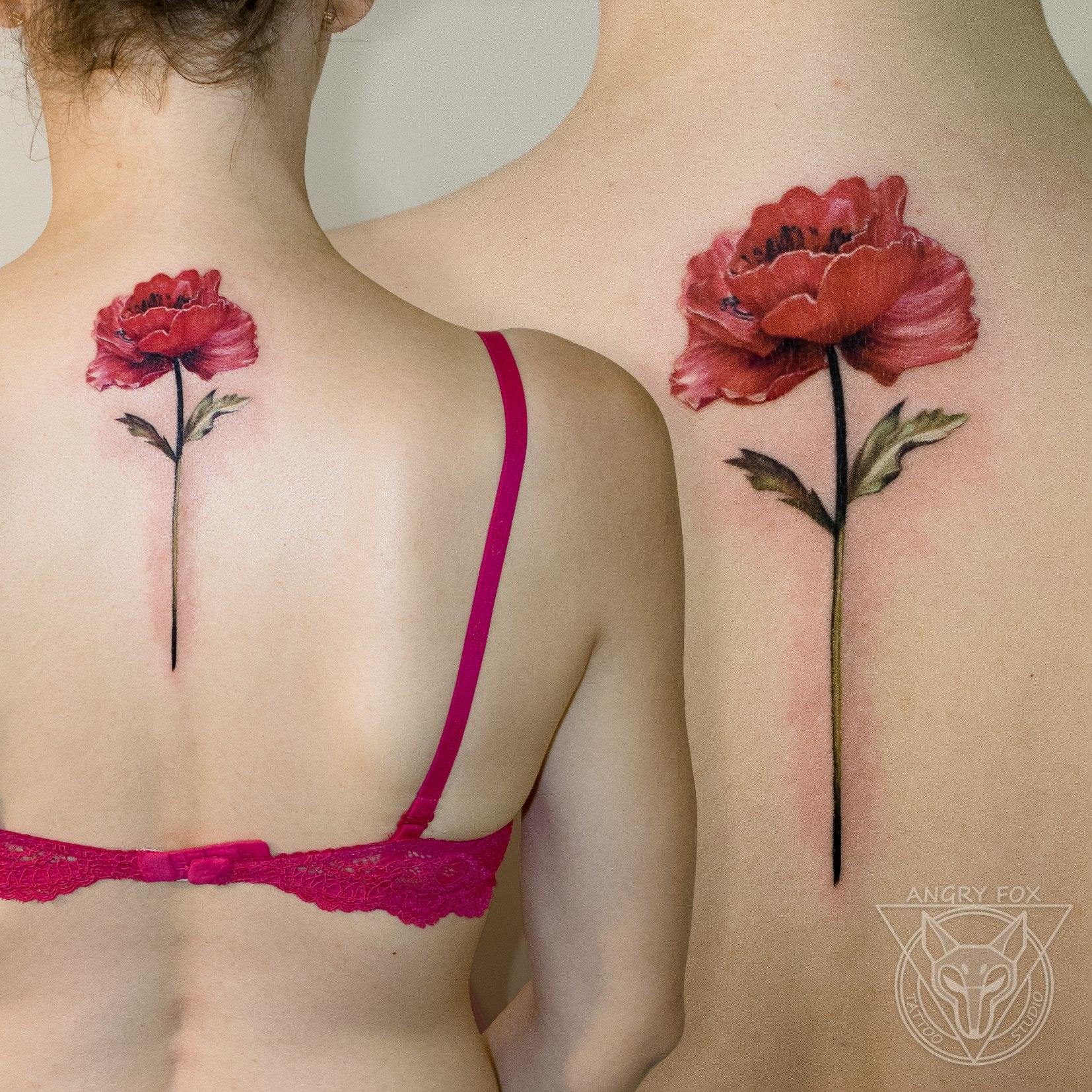 татуировка, тату, девушка, спина, цветок, мак, листья, реализм