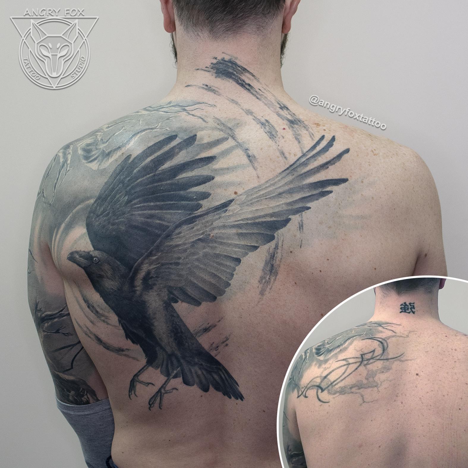 татуировка, тату, каверап, спина, мужчина, лопатка, ворон, перекрытие, реализм