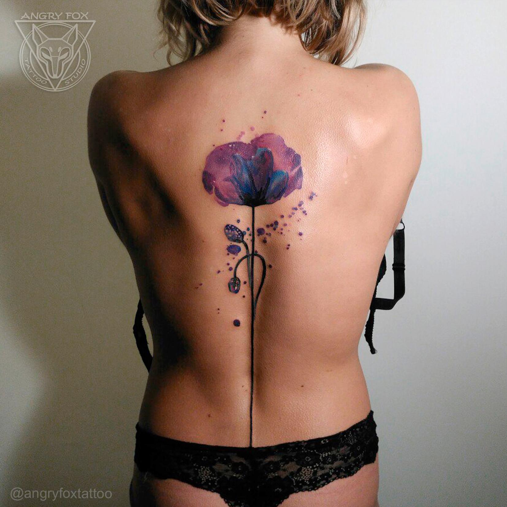 татуировка, тату, предплечье, спина, позвоночник, цветы, мак, фиолетовый, стебель, посередине, брызги, капли, акварель