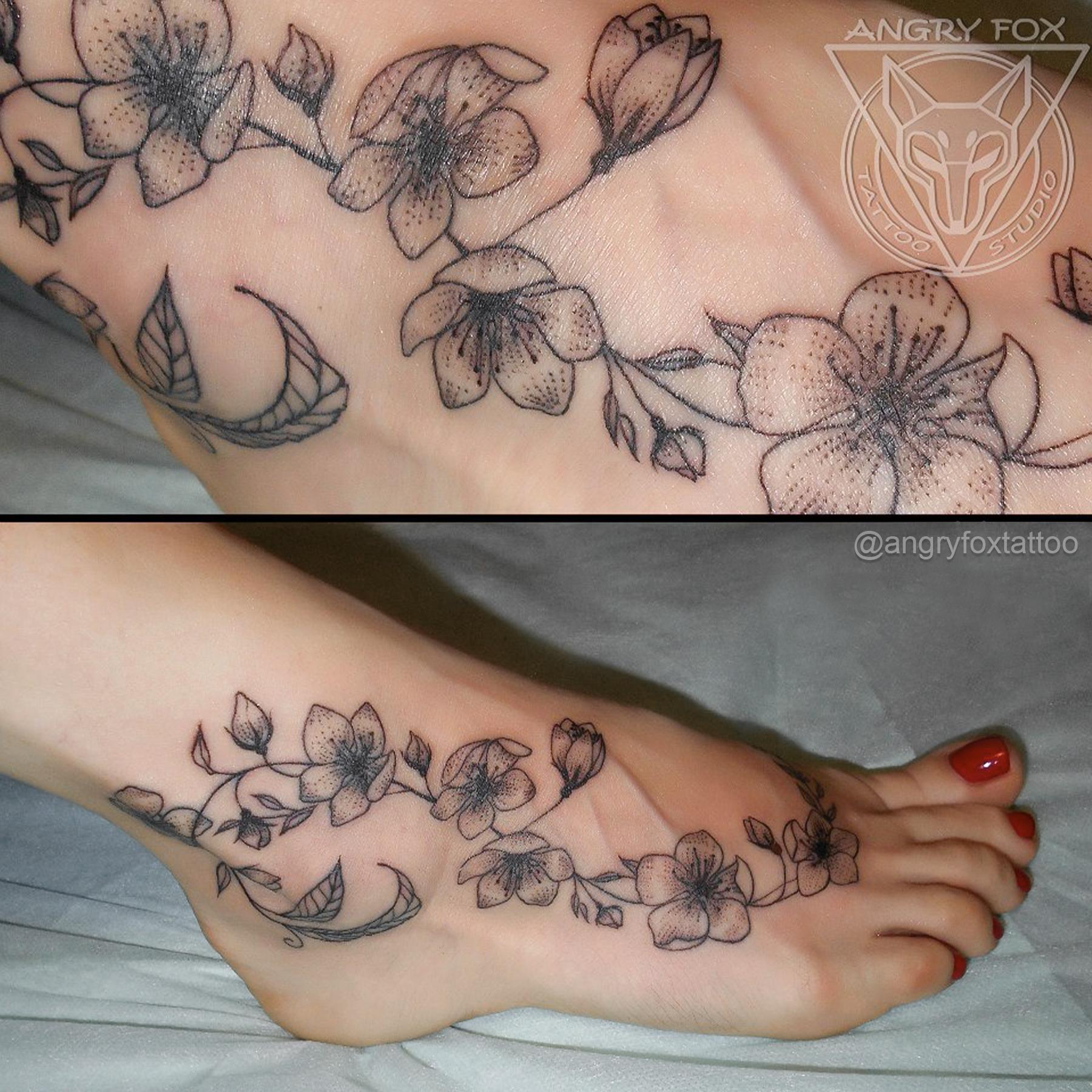 татуировка, тату, ступня, нога, девушка, цветы, листья, контур, графика