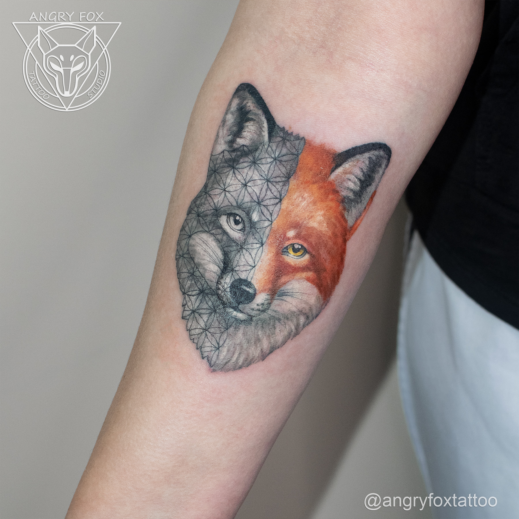 татуировка, тату, предплечье, рука, реализм, графика, лиса