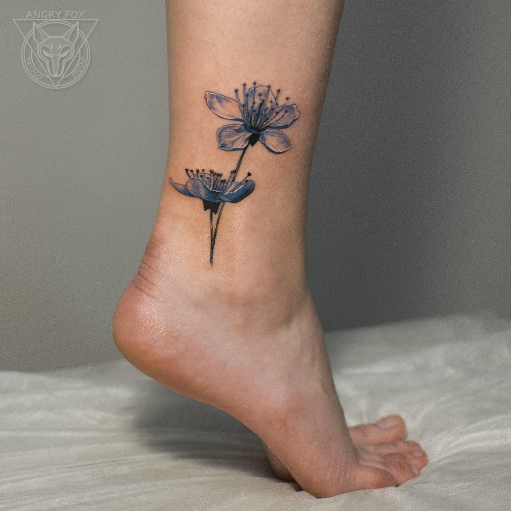 Татуировка, тату, чб, цветы, бутоны, щиколотка, контур, миниатюра, мини