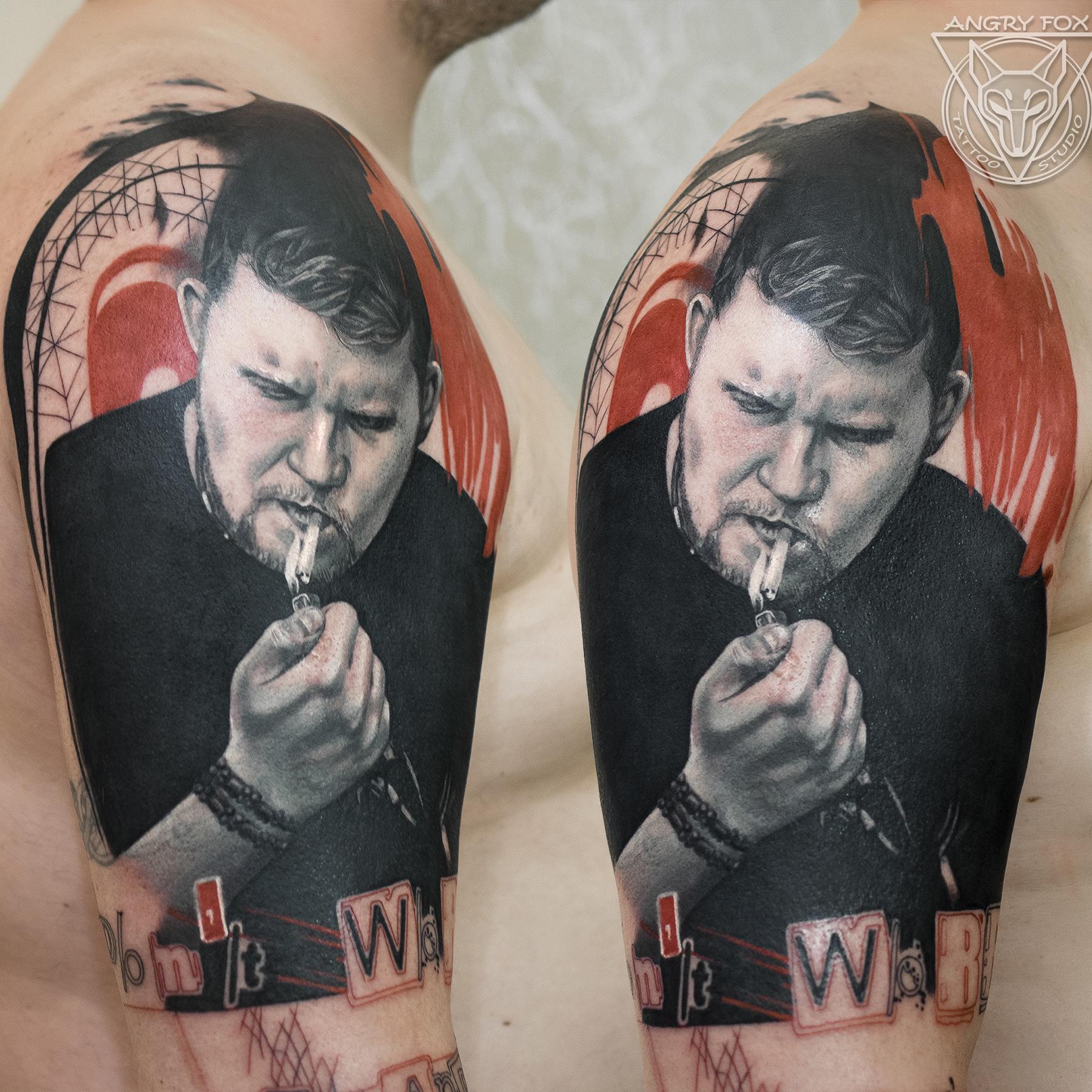 Татуировка, тату, трэшполька, сигарета, курит, прикуривает, портрет, реализм, чб